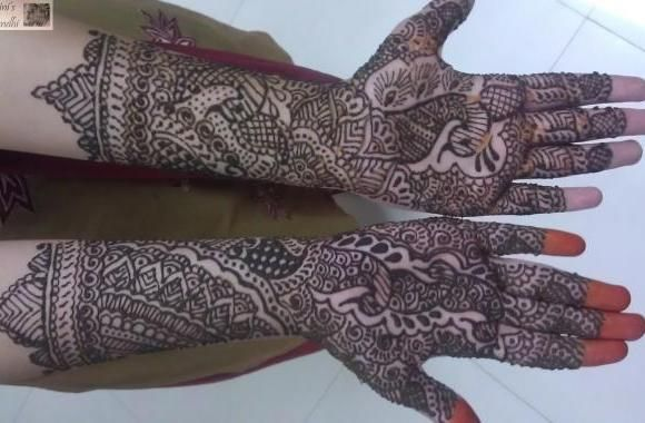 Yamini's Mehandhi provides henna tattoo services. They do intricate, beautifully designed hands and feet tattoos that would fit your personality. Check out their henna supplies and service rates.
