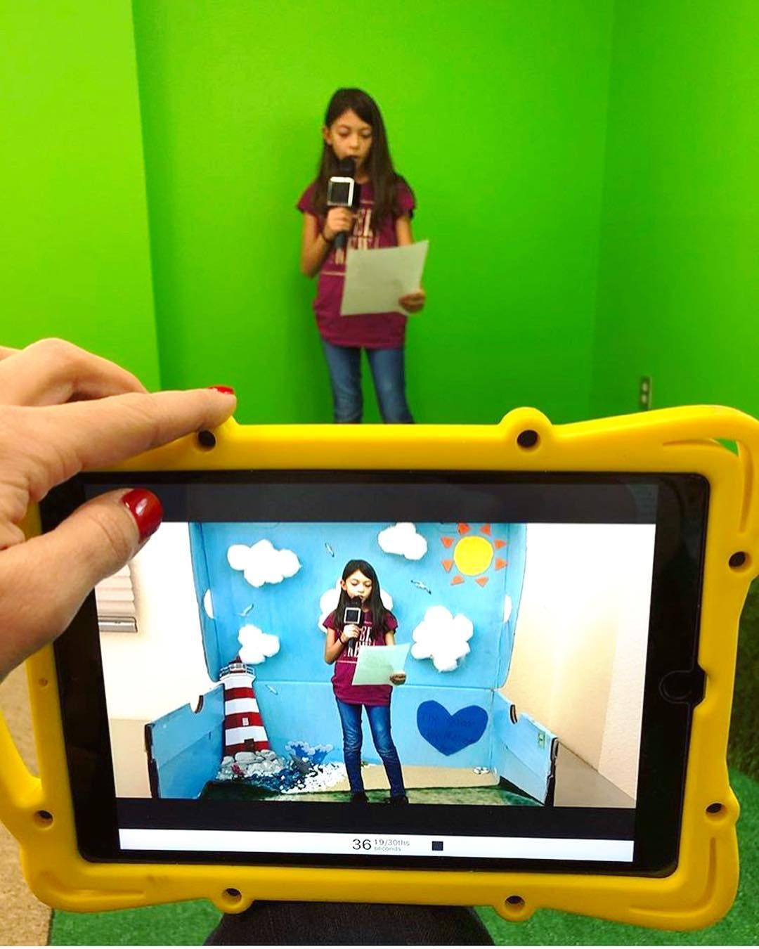 Katie Curtis Redlands Usd On Instagram Green Screen Fun If You Haven T Tried A Green Screen Proj Greenscreen Green Screen Photography Kids Workshop