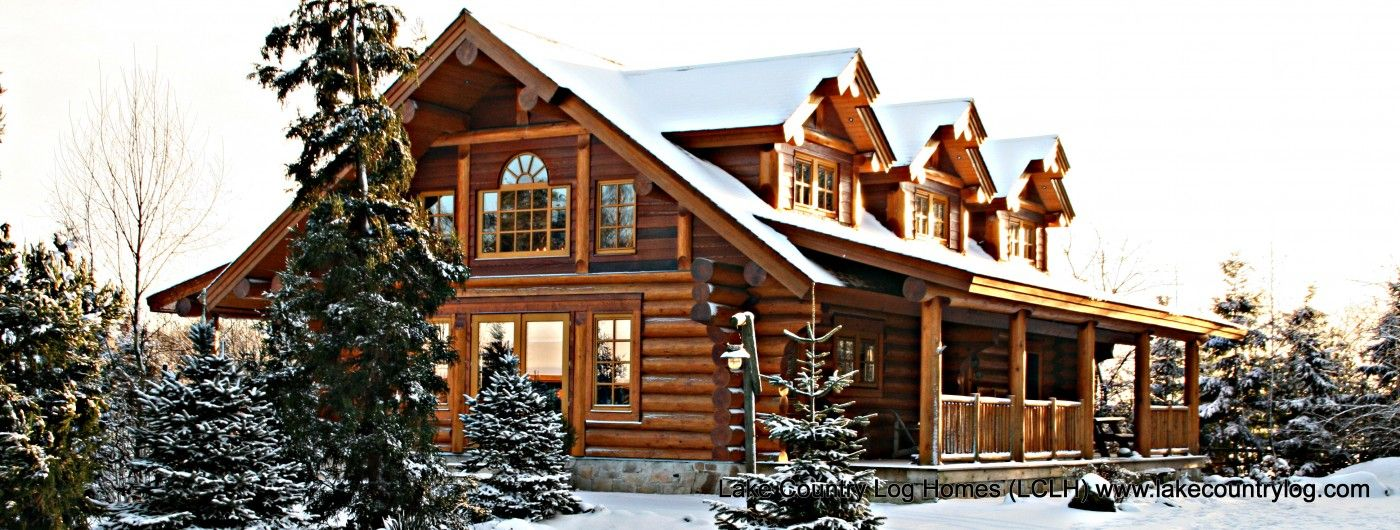 Custom handcrafted western red cedar log cabin homes Country log home