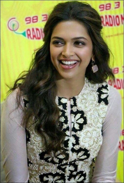 Deepika padukone | Deepika padukone hair, Bollywood ...
