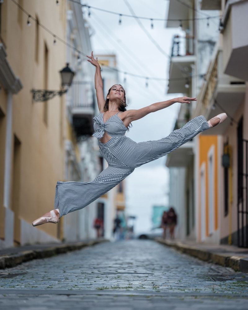 Powerful Photos Of Ballet Dancers On Streets Of Puerto Rico 5 Months After Hurricane Maria Ballet Photos Ballet Photography Ballerinas Ballet Tumblr