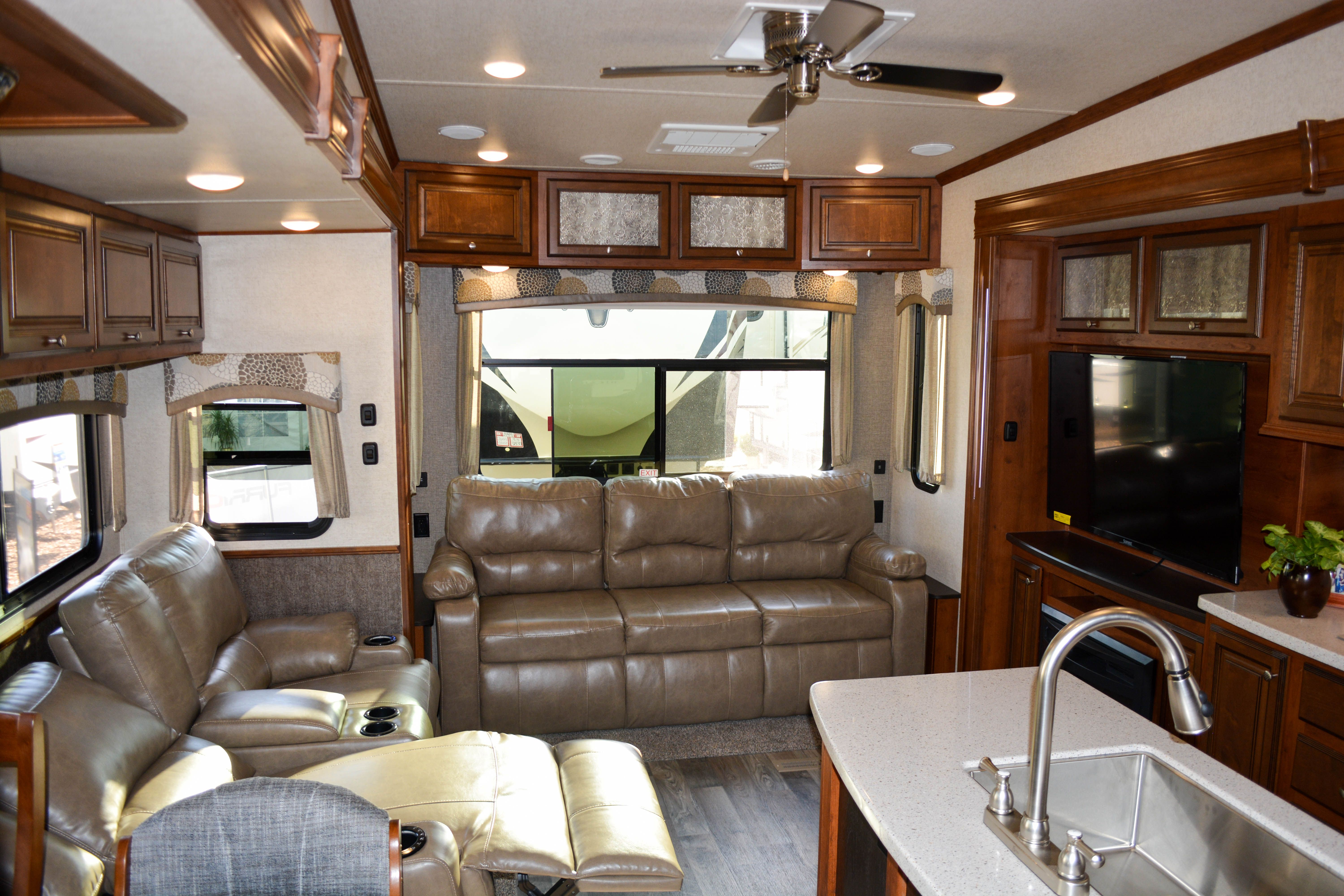 Bhtr 32 Rs Take 3d Tour Luxury Interior Toy Hauler Travel