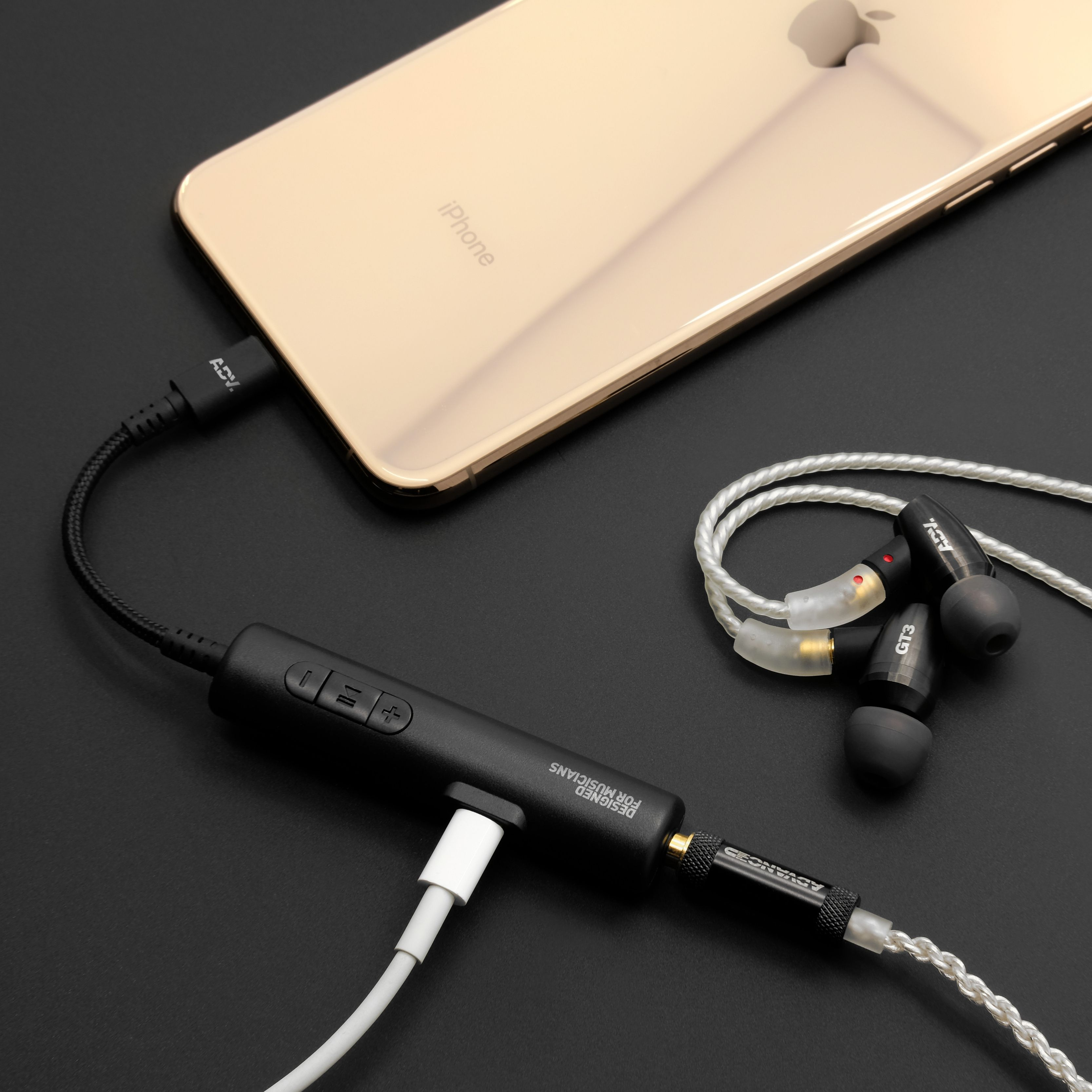 Accessport 2 Lightning Audio Charge Adapter The Built In Dac And Amplifier Bring The Intensive Audio Processing Required To Render The L Amplifier Usb Iphone