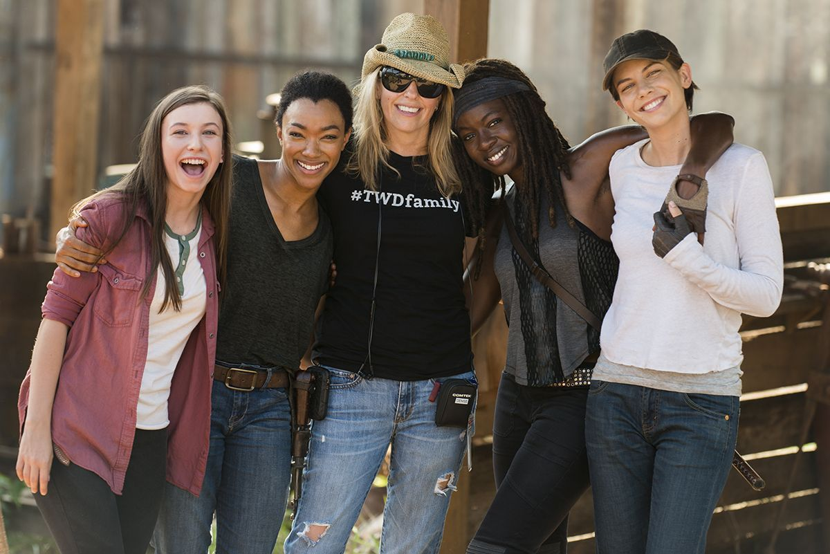 Co-Executive Producer Denise Huth shows her series pride with a #TWDfamily T-shirt while surrounded by cast Katelyn Nacon, Sonequa Martin-Green, Danai Gurira, and Lauren Cohan.(Photo: AMC)