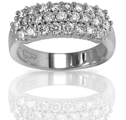 This Gorgeous 25th Anniversary Ring Set With 25 Diamonds In 14k