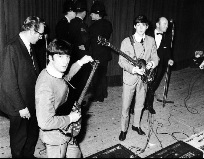 The Beatles on stage. The beatles, Roy orbison, Beatles