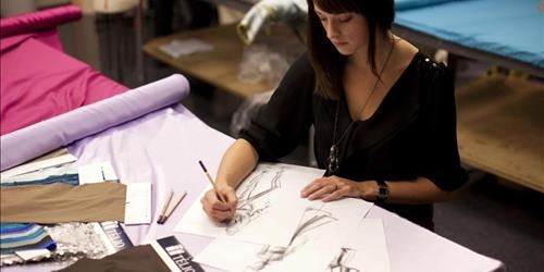 Dift Offer Fashion Design And Technology Course With Lot Of Benefits Fashion Designing Course Become A Fashion Designer Textiles Fashion