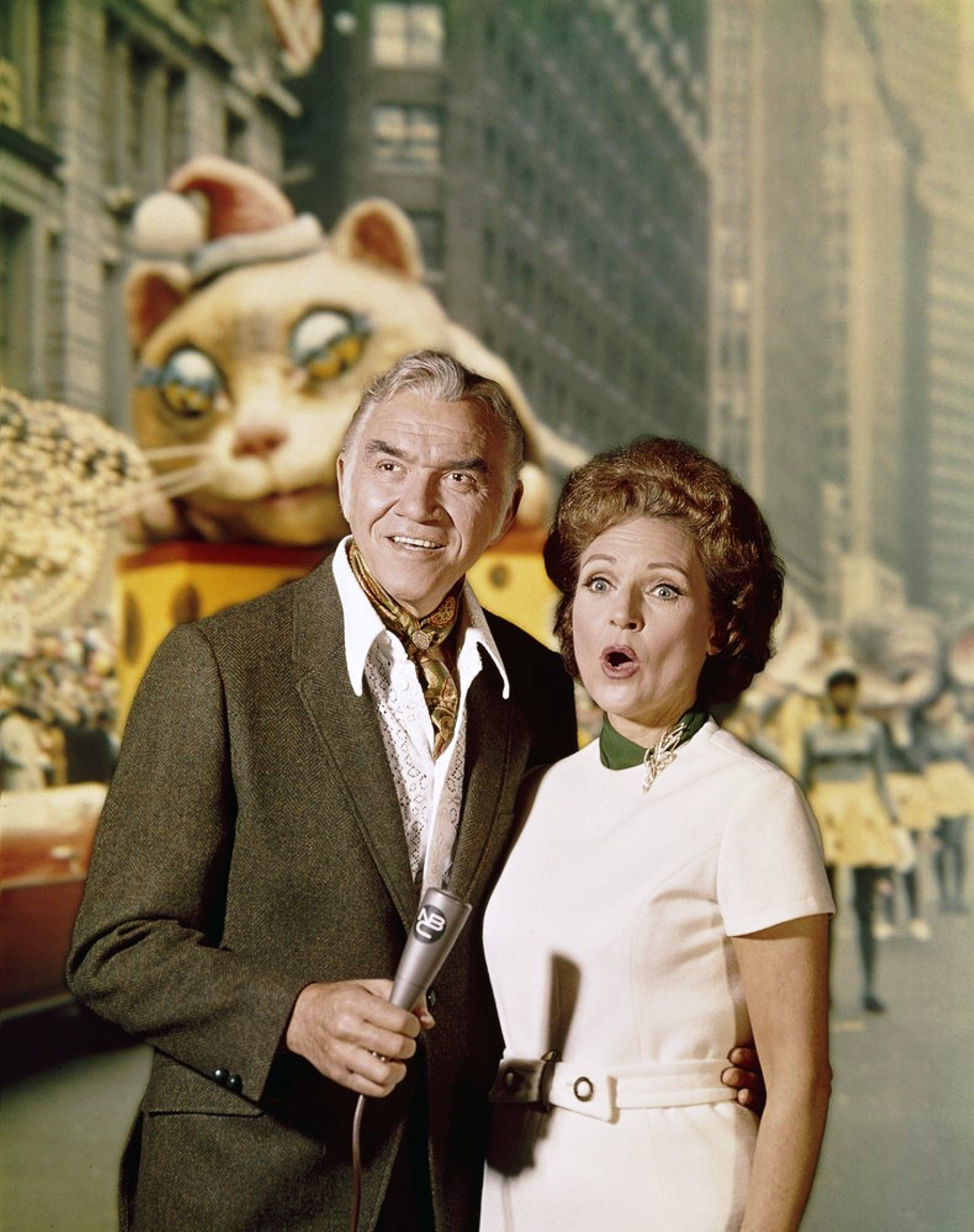 Nbc Tv Macy S Thanksgiving Day Parade Publicity Still Late 1960s L To R Lorne Greene Betty White Greene And Thanksgiving Parade Betty White Macys Parade