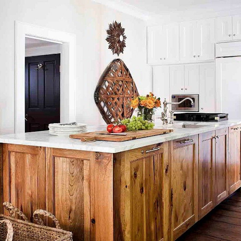 Amazing Rustic Kitchen Island Diy Ideas 26: 24 Amazing Hickory Kitchen Cabinets For Your Beautiful