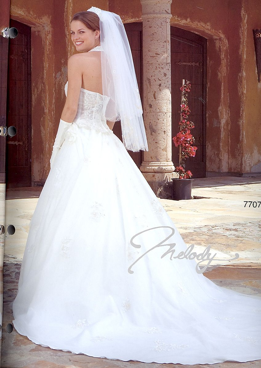 Sale dress wedding gowns with detatchable train beginning