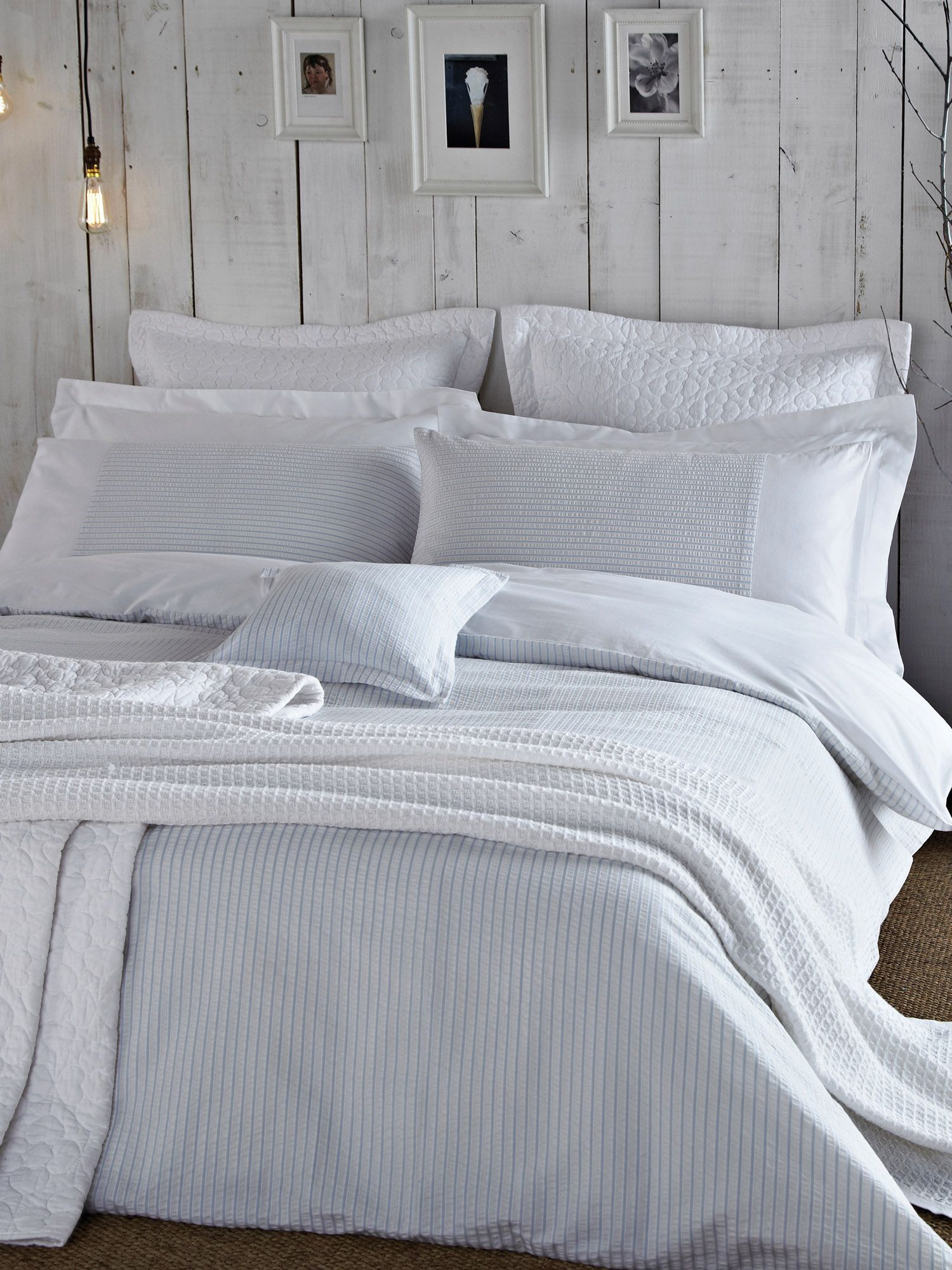 greywhitebedrooms Grey and white bedroom ideas rugs bedspreads