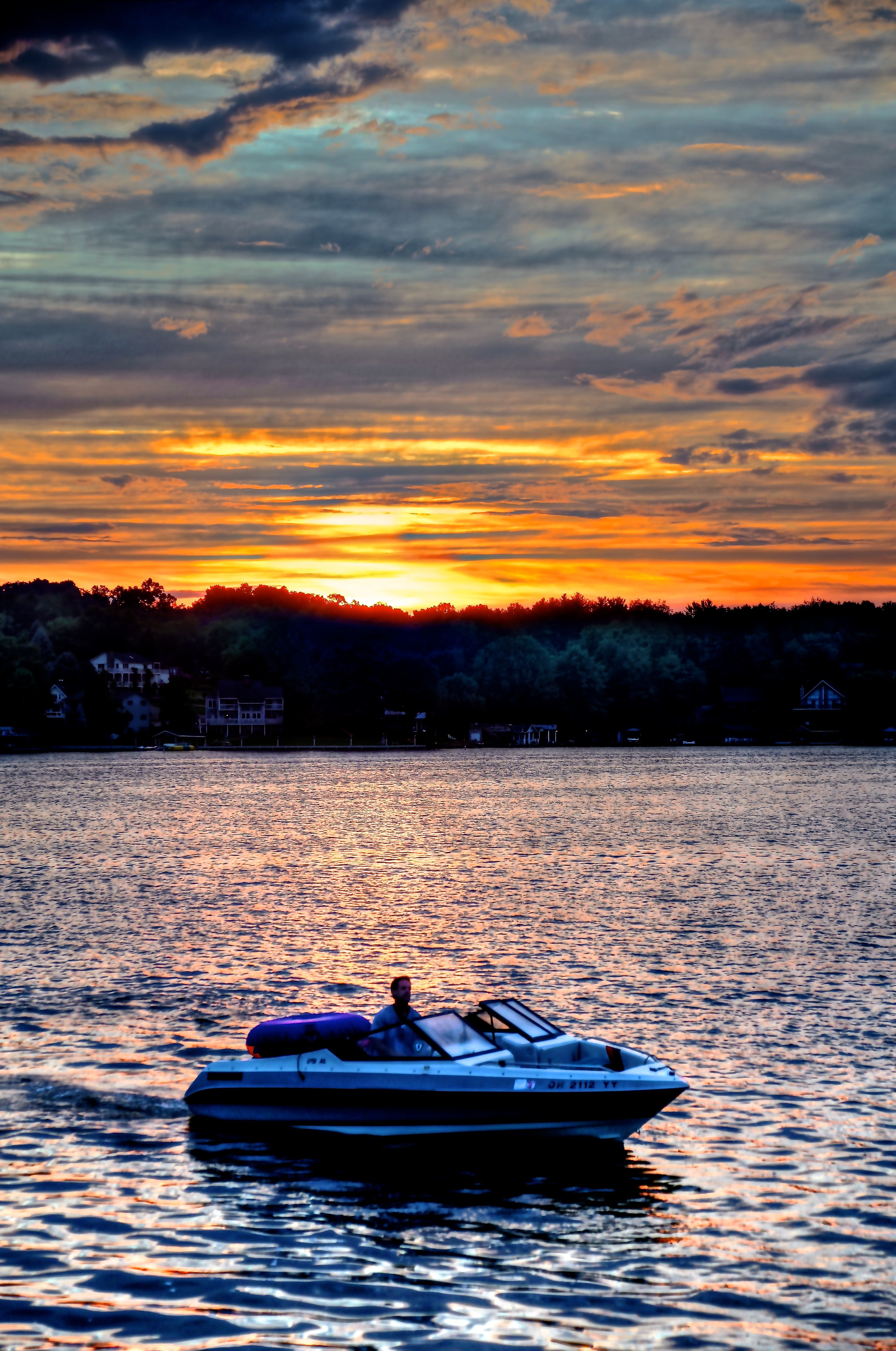 The perfect way to spend an evening on the lake