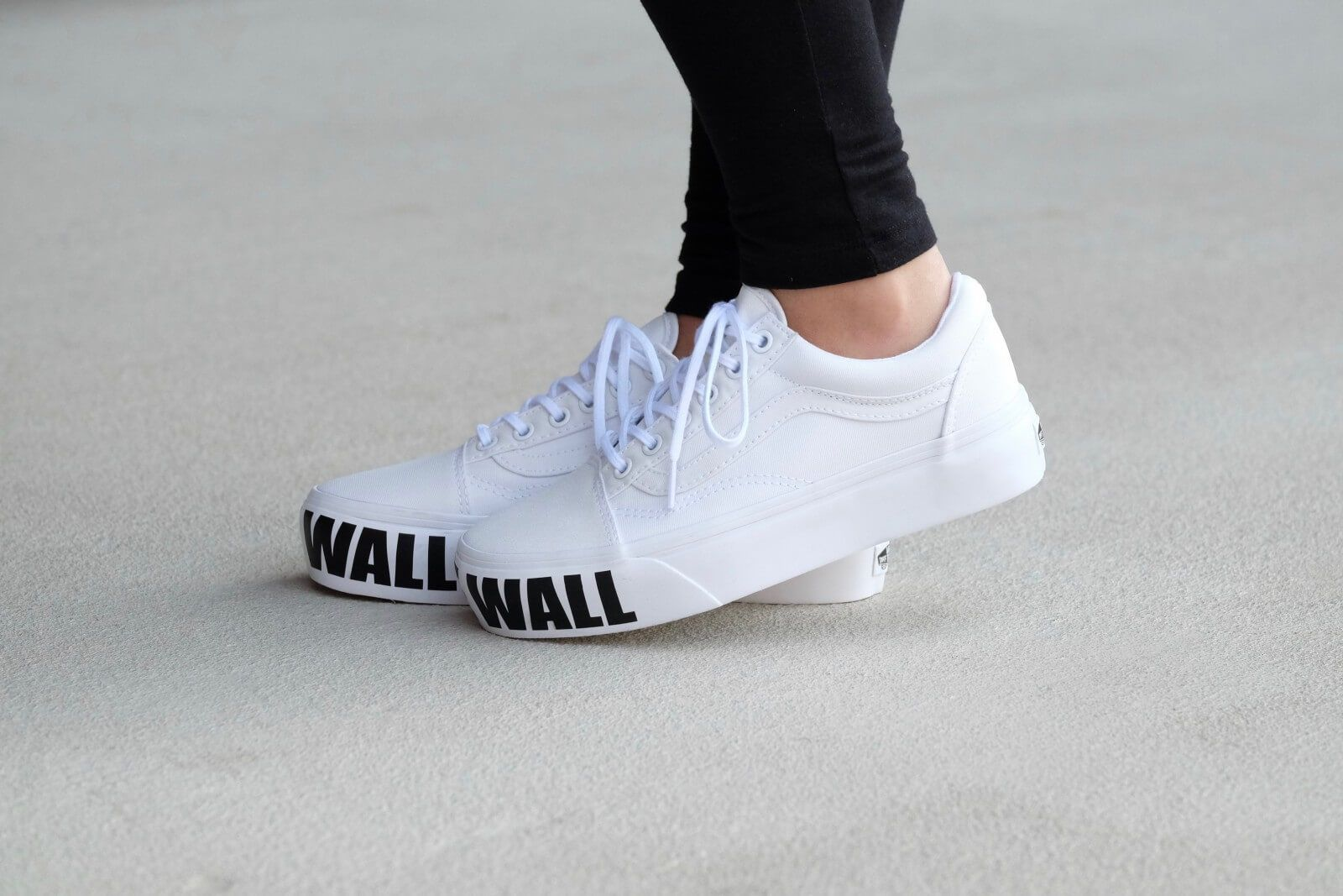 Vans Off The Wall white platform