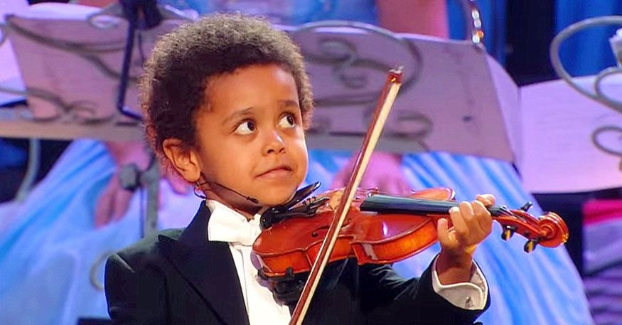 The Talent 5 Years Old Boy Silences The Crowd With His Awesome Performance