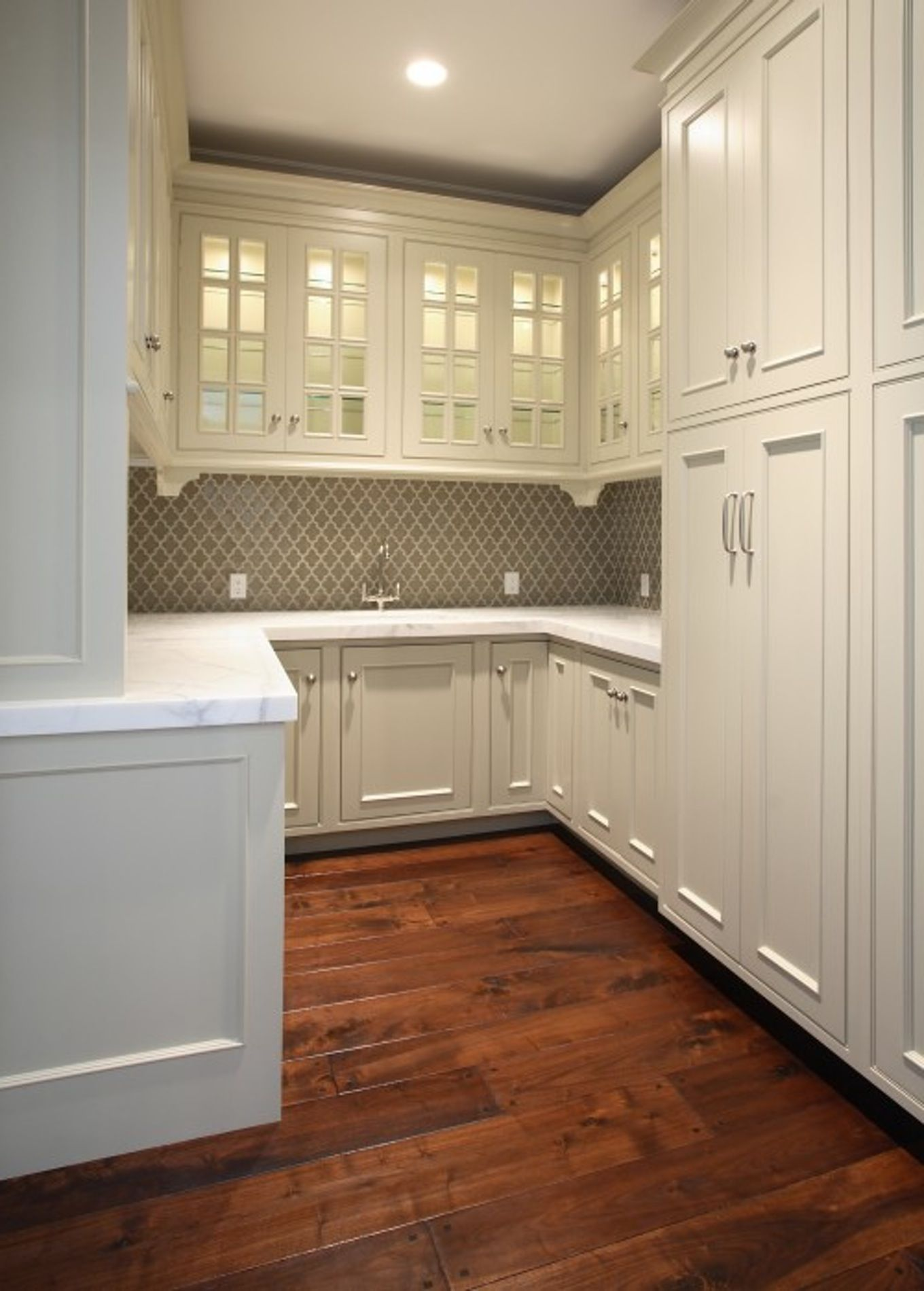 Interesting Kitchen Decorating Ideas With Elegant Lowes Tile Backsplash