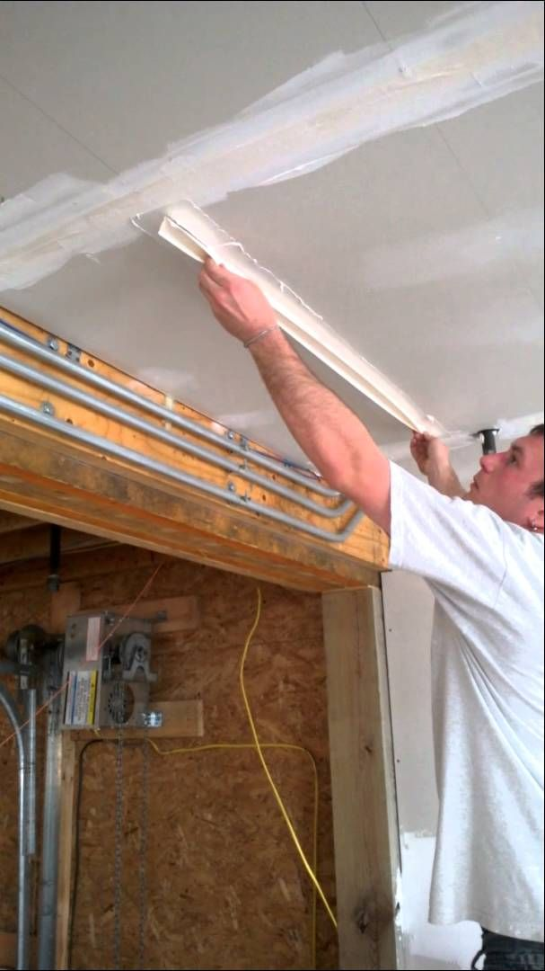 How To Mud And Tape Drywall Ceilings Step 1 Applying Taping Drywall Installation Drywall Ceiling Diy Home Repair