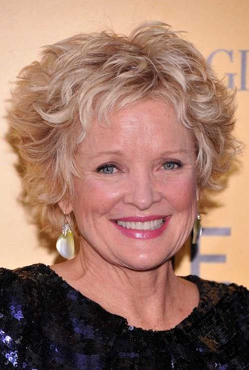 Short Hairstyles For Wavy Hair Over 50 Hair And Makeup Curly