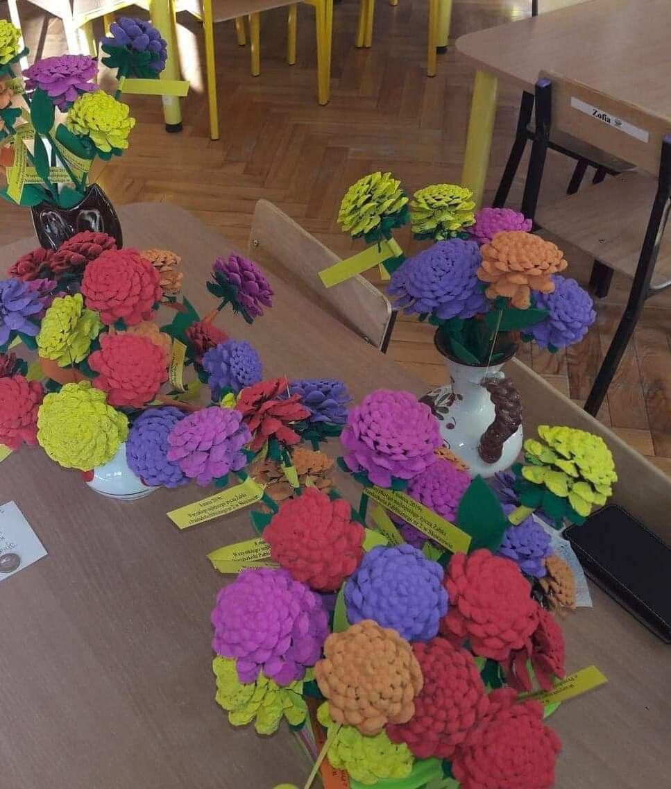 Kwiatki Z Szyszek Crochet Necklace Crochet