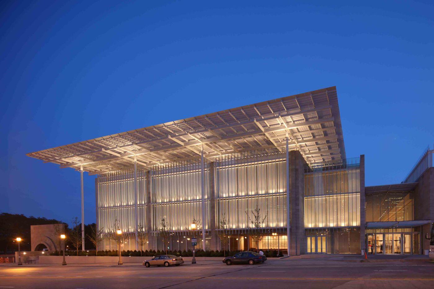 Art Institute Of Chicago. Renzo Piano . Chicago Il
