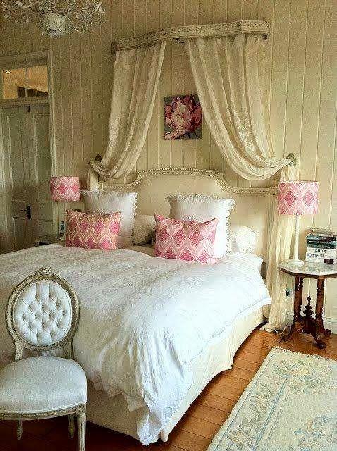 http://bricolage-decoracao.blogspot.com.br/2013/10/decoracao-de-quarto-de-casal-com-um.html