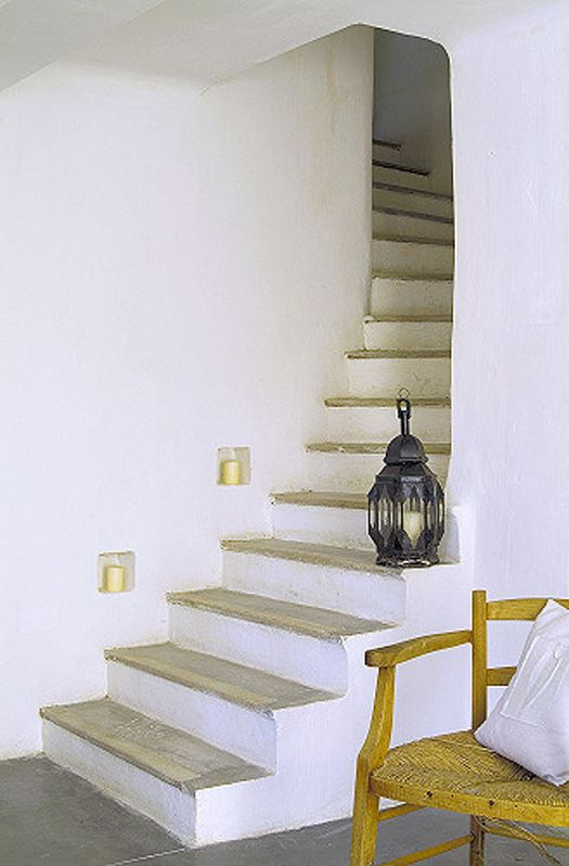 Living the simple life in a beautiful french villa Escaliers - escalier interieur de villa