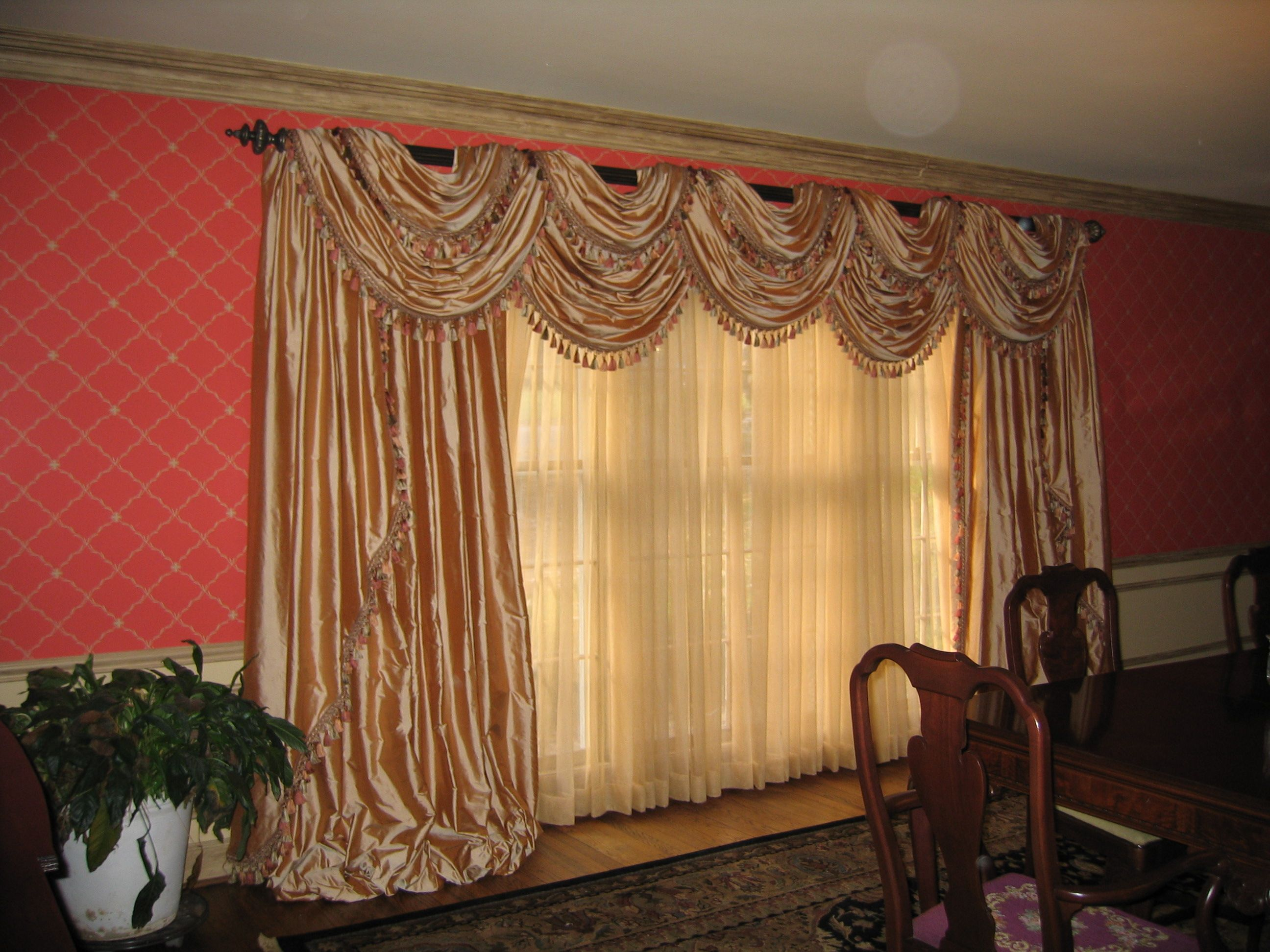Double Layered Pole Swags W Cascades Stationary Side Panels