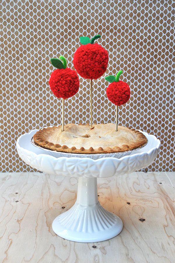 DIY Pom Pom Apple Pie Topper | Oh Happy Day!