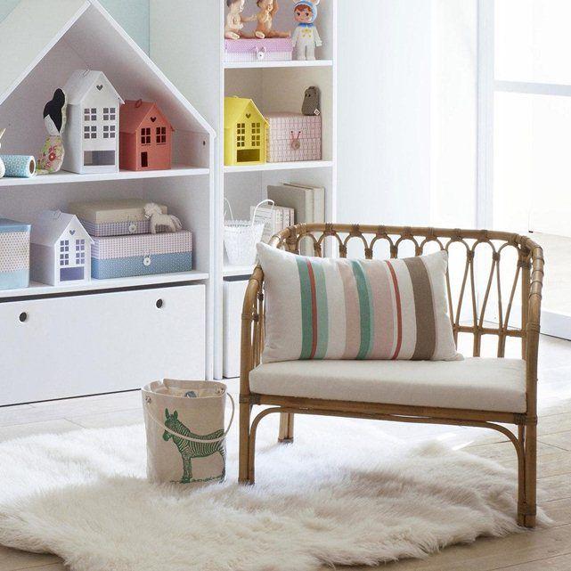 une jolie touche vintage pour cette banquette rotin. Black Bedroom Furniture Sets. Home Design Ideas