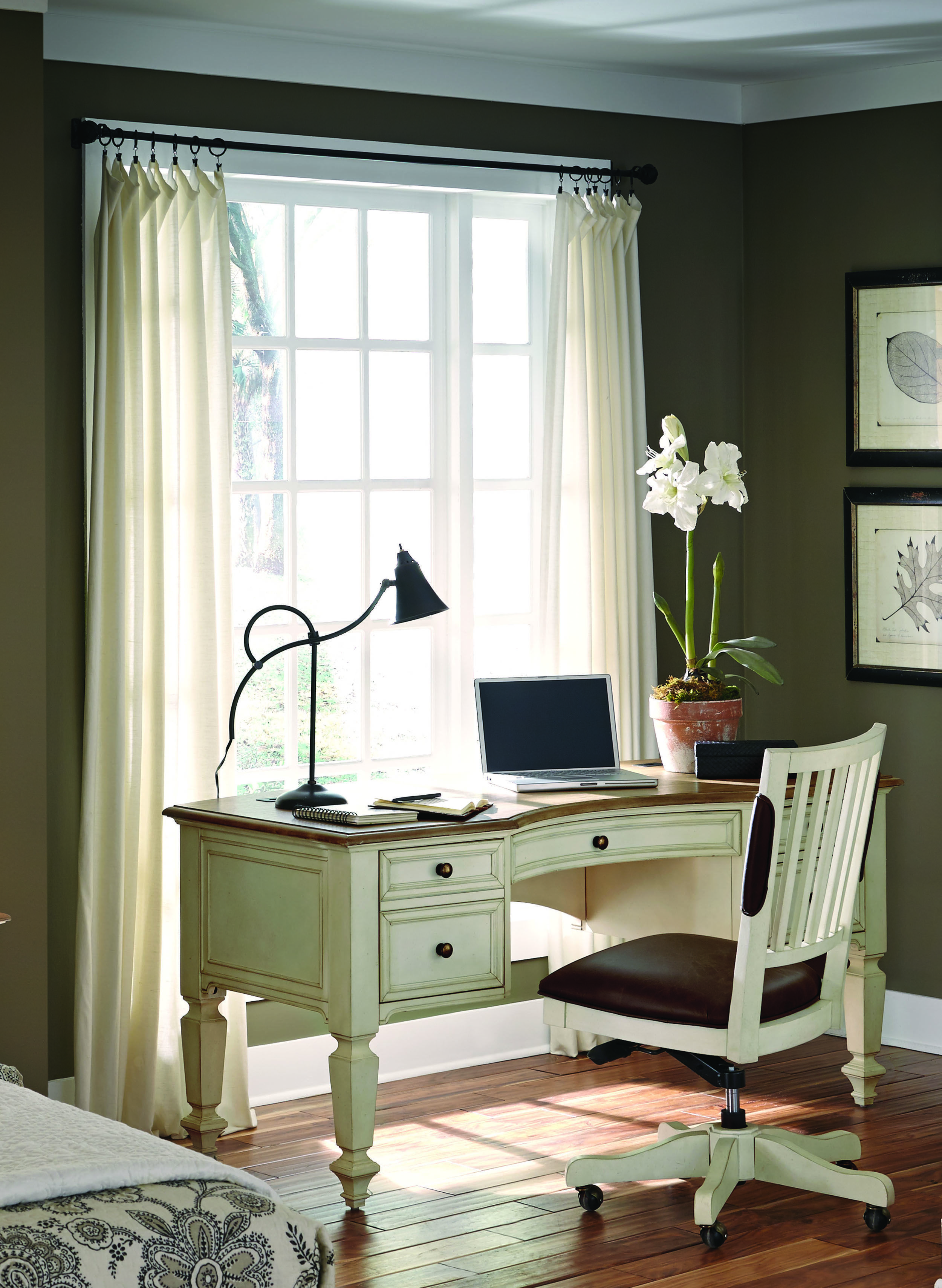Rc Willey Offers This Beautiful Antique White Executive Desk It S Two Tone Antique White Finish With An Oak Top And Framed Drawer Pedestal Desk Furniture Home