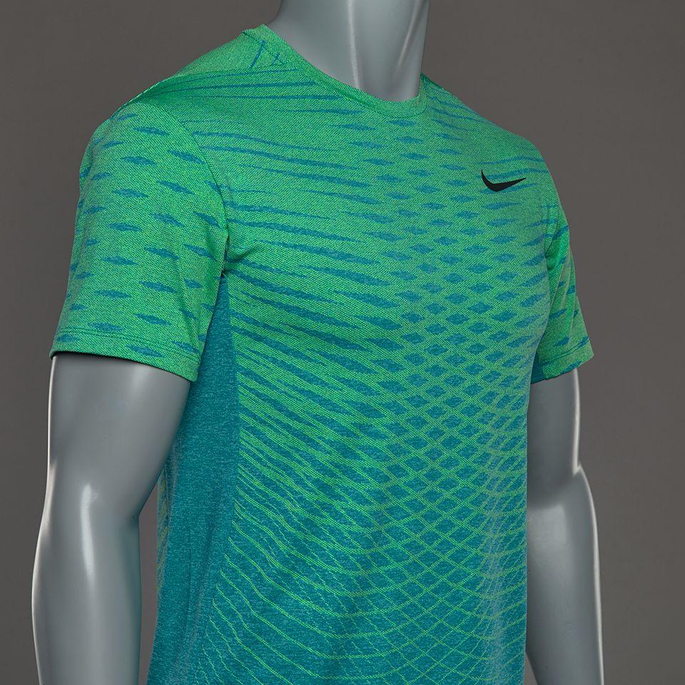 Camiseta Nike Ultimate Dry -Turquesa Volt Negro  75a3bcf0a9338