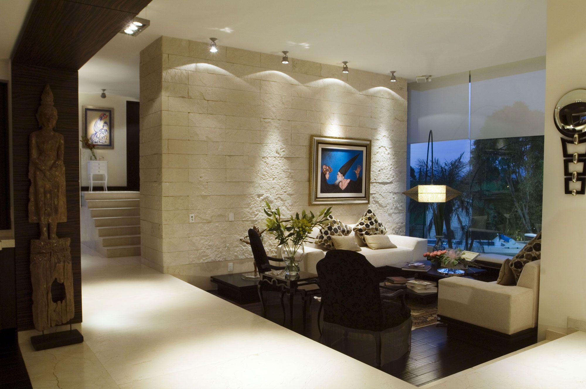 Pared de piedra arte lampara de piso desnivel - Piedras para decoracion de interiores ...