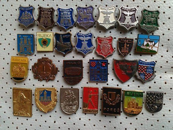 1c67807aedd4 Croatia Islands and Cities Dalmatia Hrvatska Ostrva Coat of Arms Vintage  Badges For Sale Mega Collection of City Crests Souvenirs Croatia