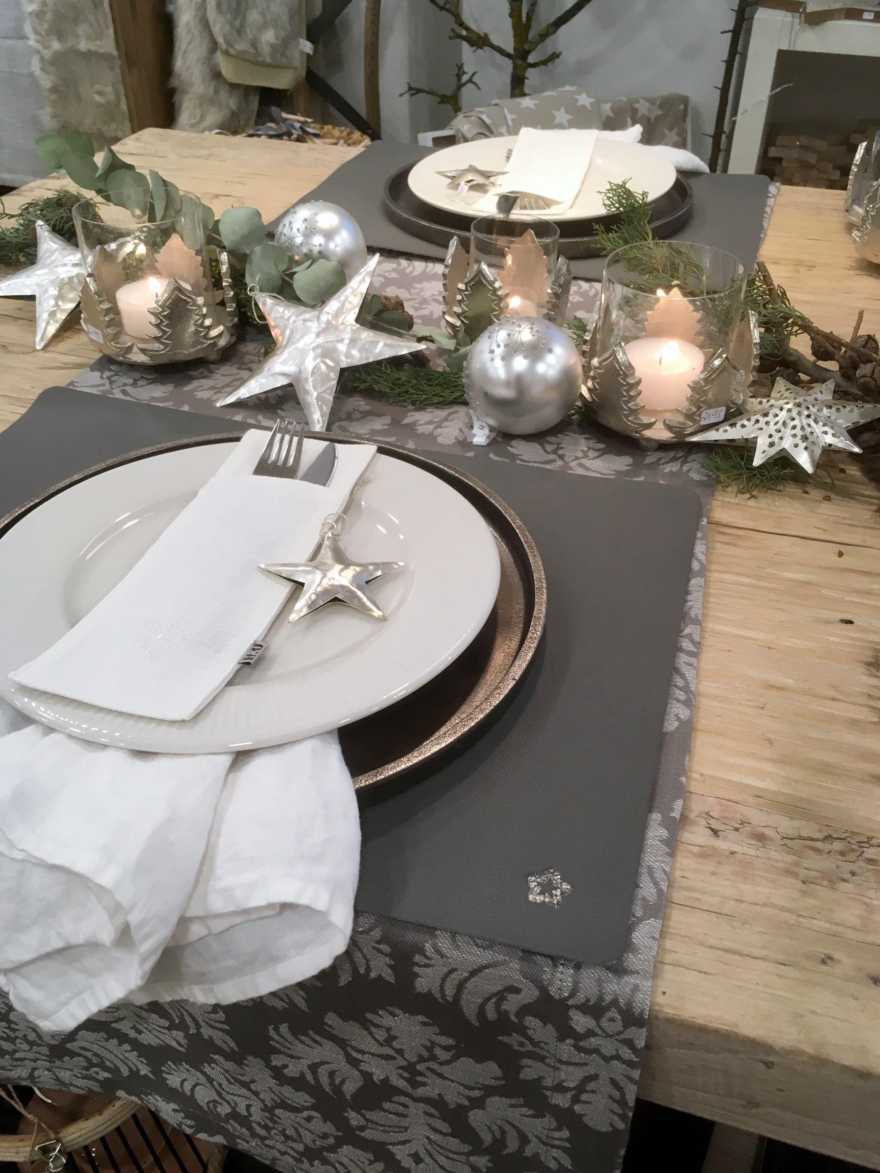 Edle Tischdeko In Silber Grau Tischdeko Tischdekoration Tischschmuck St Tischdeko Weihnachten Tischdekoration Weihnachten Schone Weihnachtsdekoration