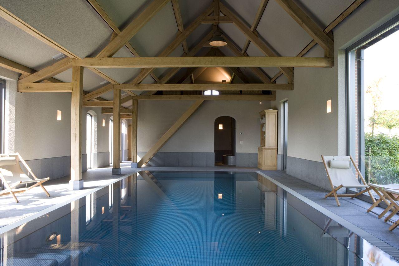 Binnenzwembad in schuur binnenzwembaden pinterest for Binnen zwembaden