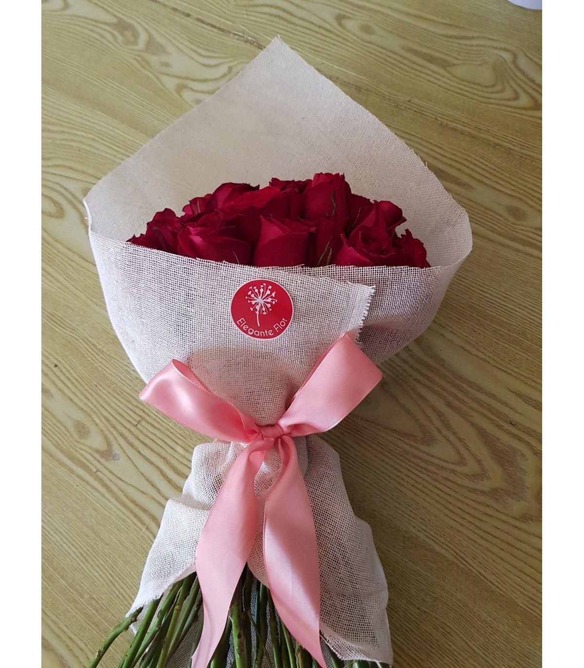 Ramo Con 24 Rosas En Tela De Yute Rosas De Tela Arreglos De Rosas Arreglos Florales En Cajas