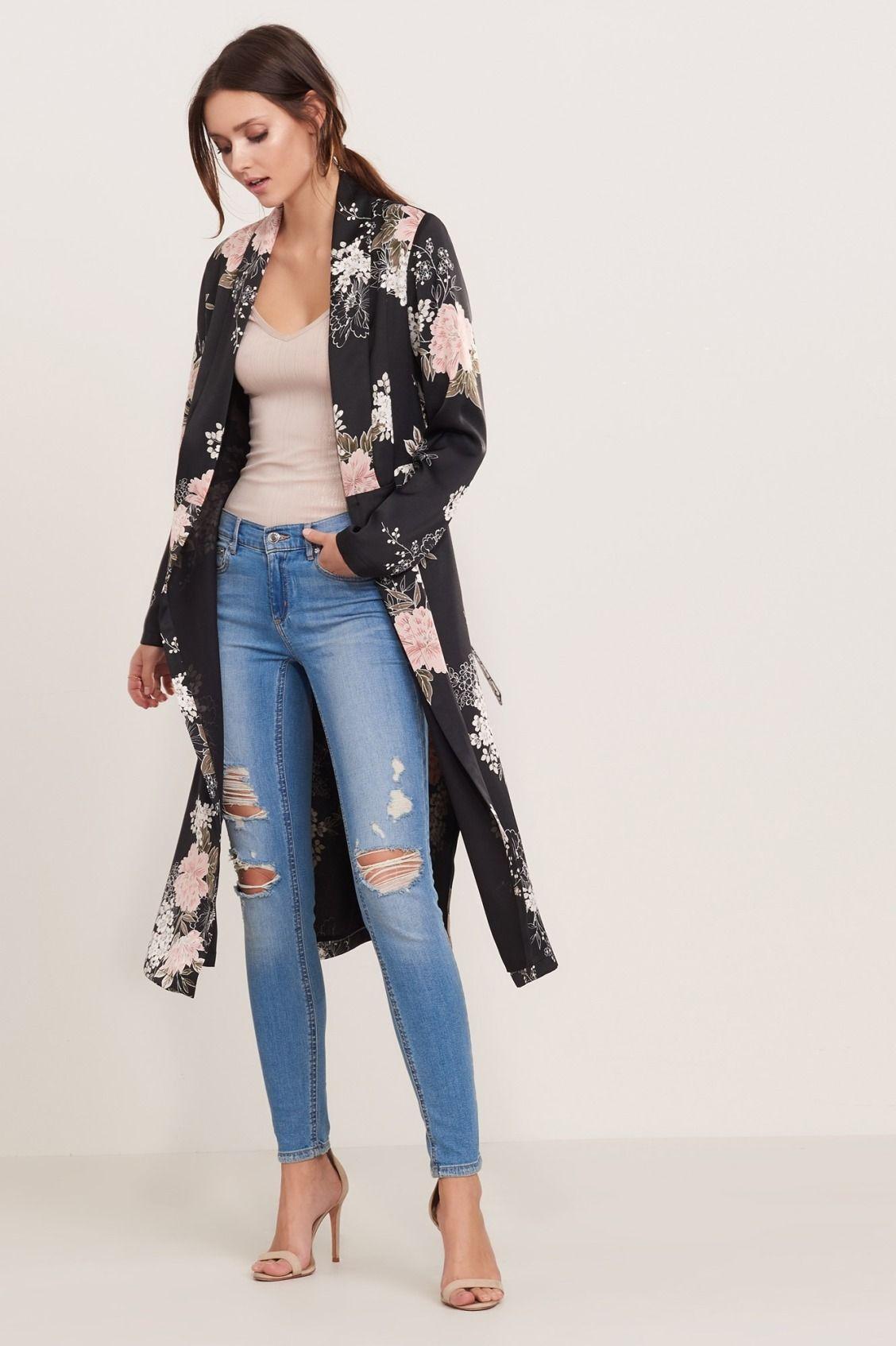 20d0f21b05fd Slip into style Floral Maxi Kimono with Slits