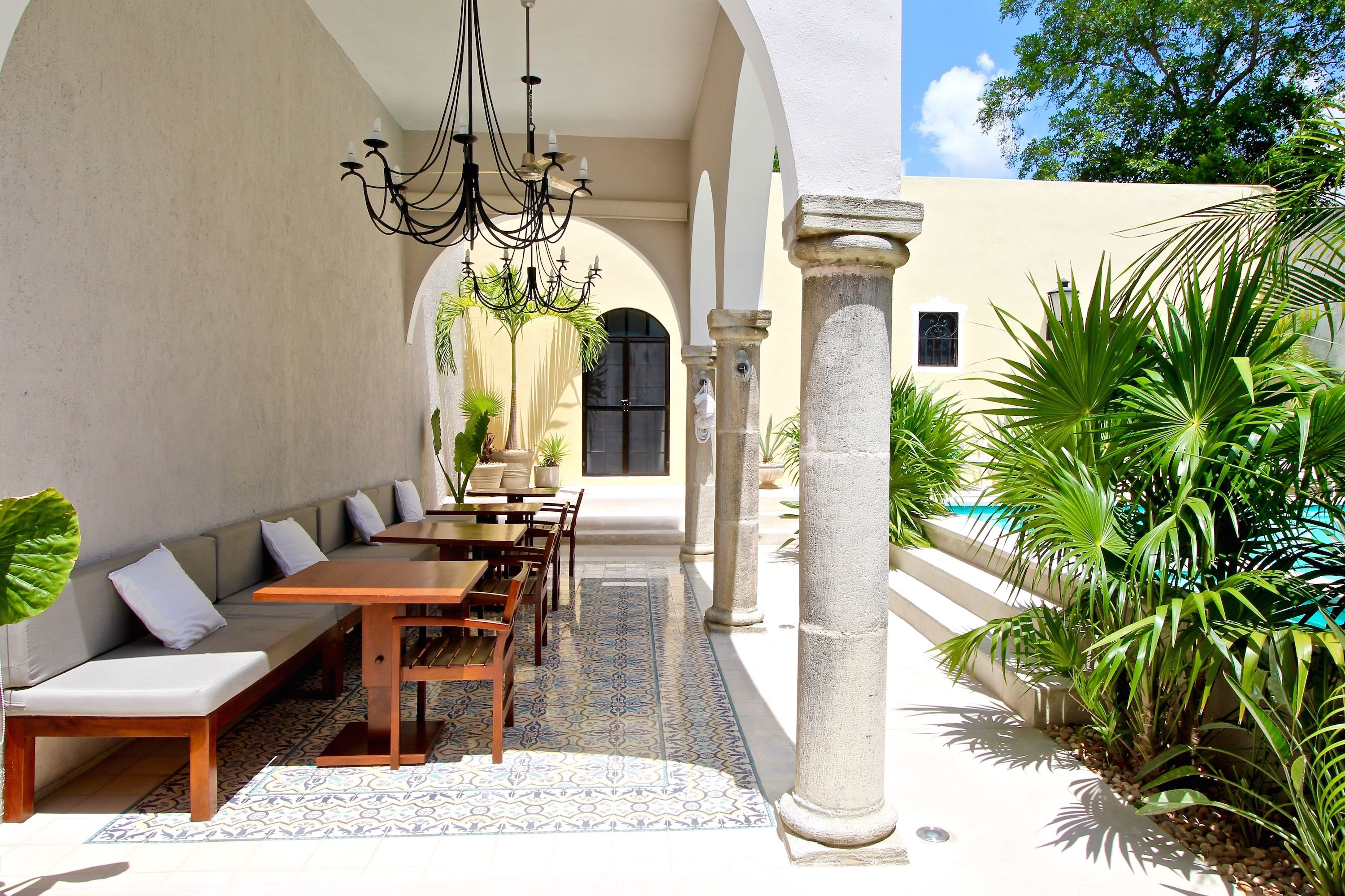 The Diplomat - Terrace #Merida #Yucatan #Mexico #Spanishcolonial #Design #Cementtiles