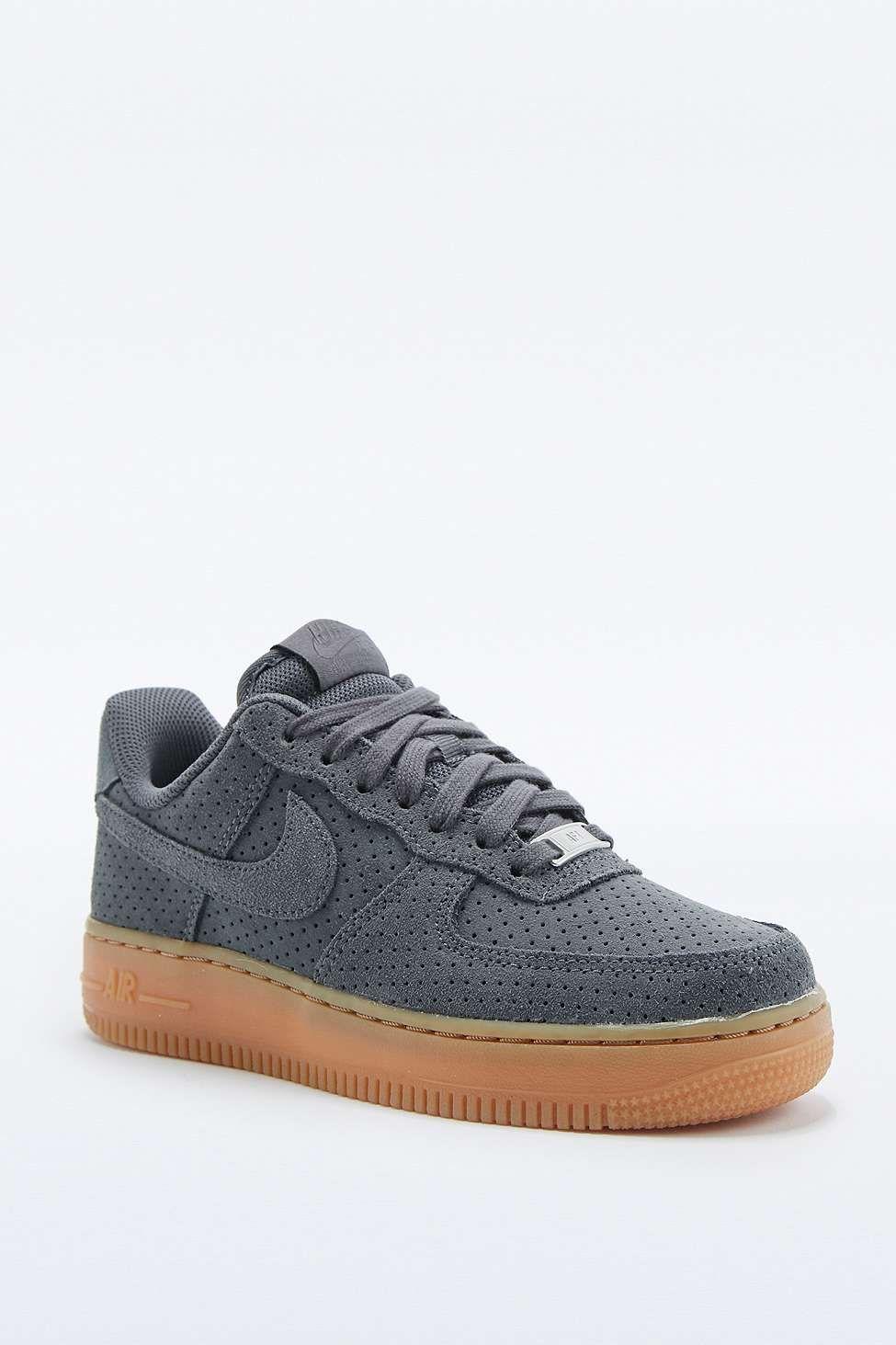 """Nike – Sneaker """"Air Force 1"""" aus grauem Wildleder ..."""