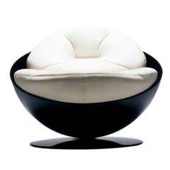 Esfera Chair by Ricardo Fasanello