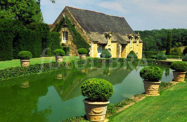 Eyrignac Chateau Gardens Dordogne France | Jardin | Pinterest ...