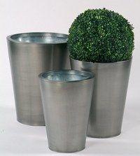 Pots en zinc, Casa - Décoration et mobilier de jardin ...