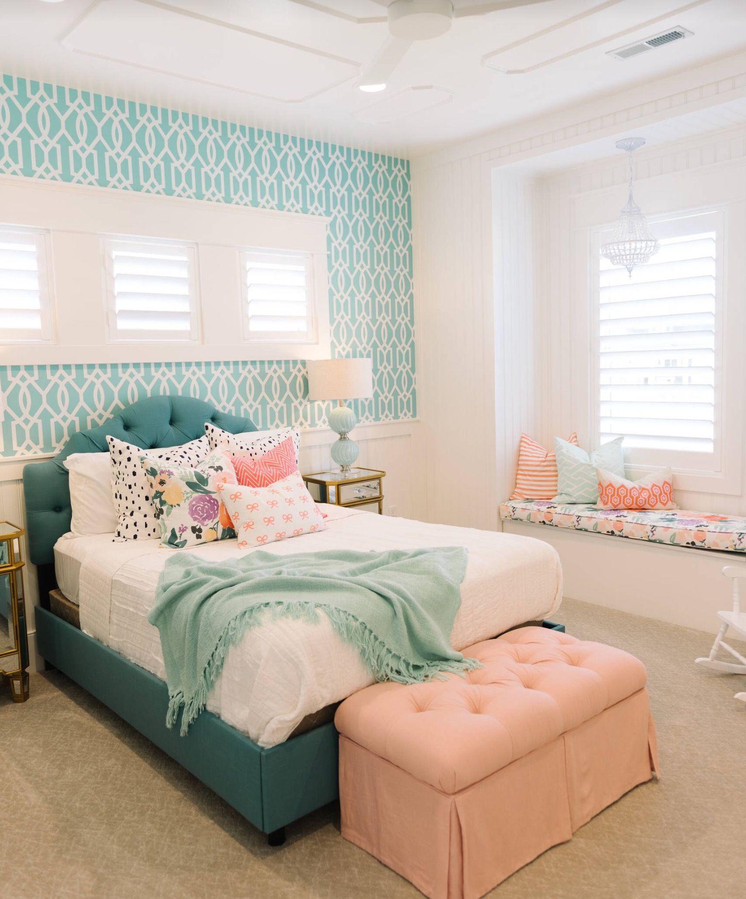 So pretty and feminine Girls bedrooms Pinterest