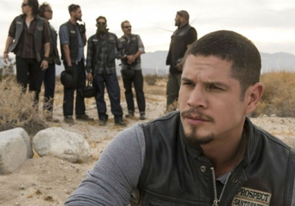 Mayans Mc Stars Tease Sons Of Anarchy Cameos And Drop First Official Trailer Kurtsutter Mayansmc Sonsofanarchy Celebrityinsi Sons Of Anarchy Mayan Mcs