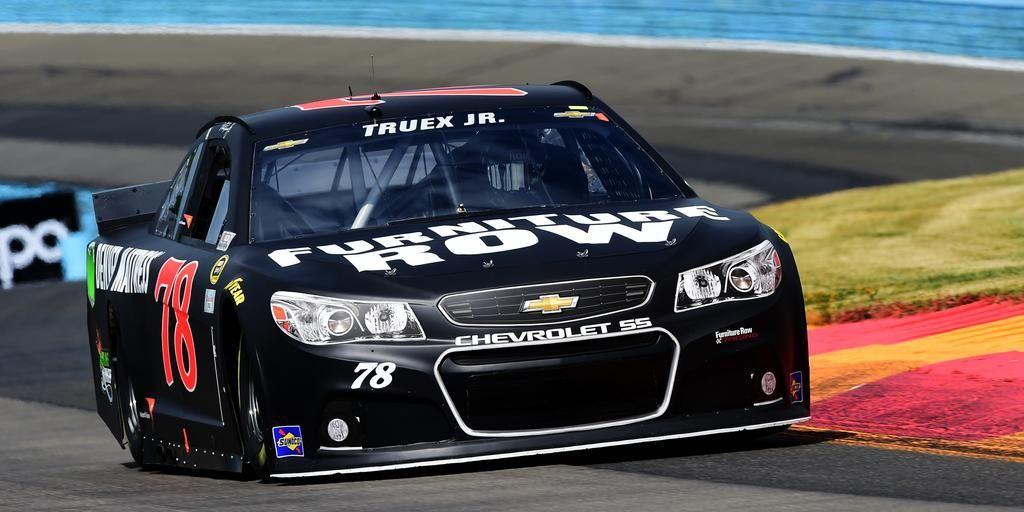 Lap 21 of 90: New leader at @WGI!  @AJDinger falls to 3rd behind @MartinTruex_Jr and @KevinHarvick. #NASCAR