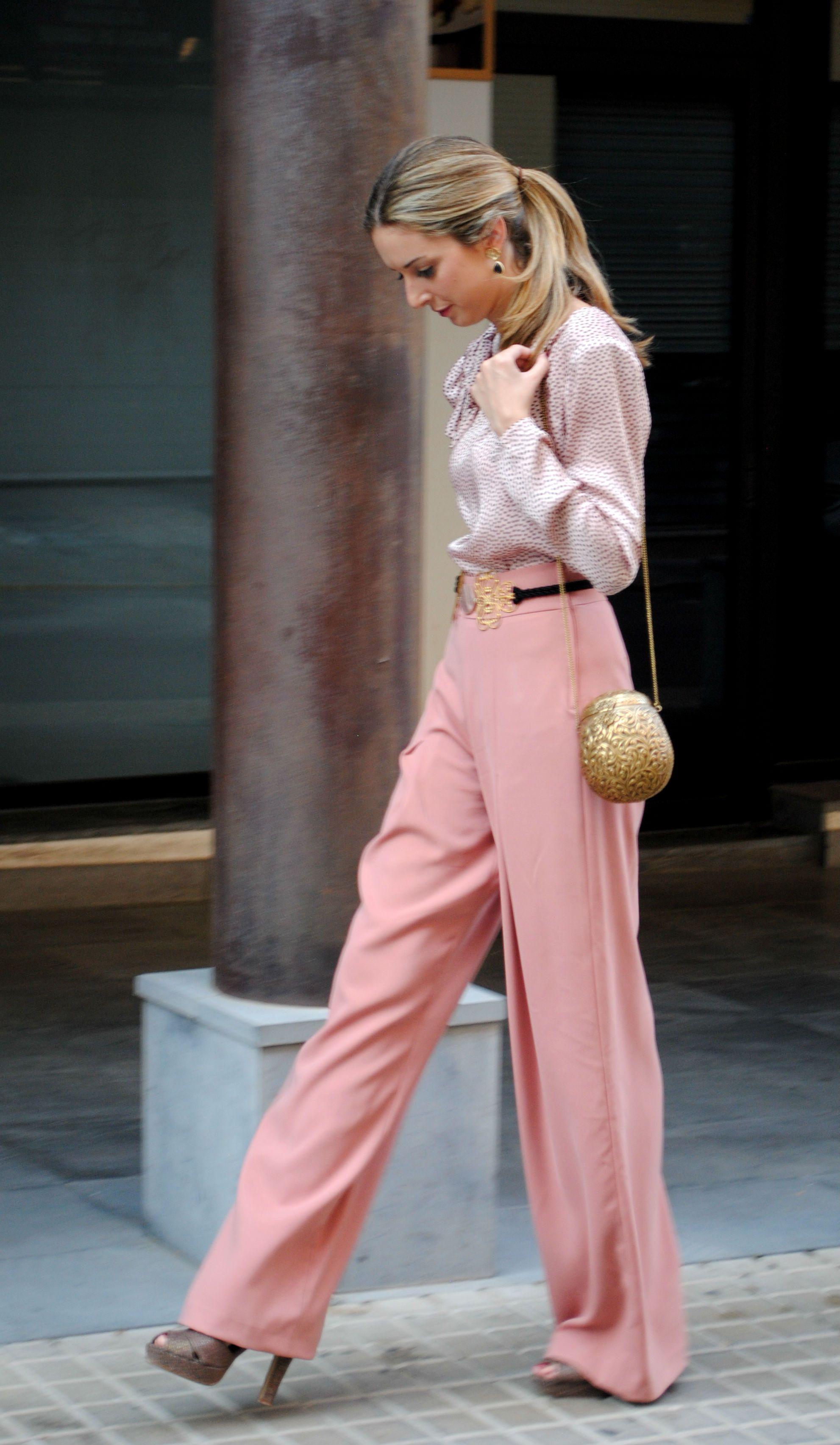 Pantalones, camisa, pendientes, cinturón y clutch Rental Mode ...