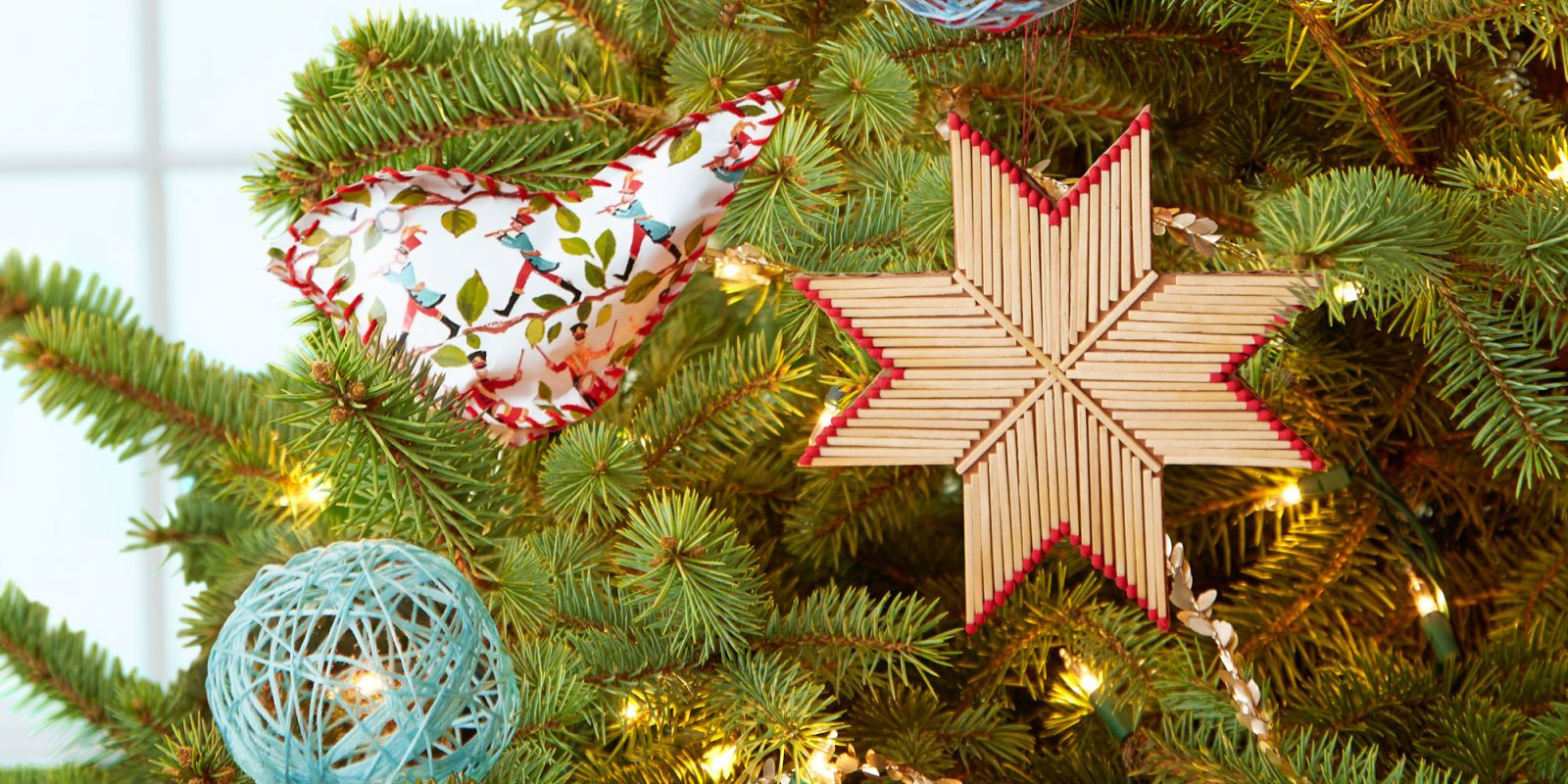 50 Diy Christmas Ornaments To Make Your Tree Truly One Of A Kind Diy Christmas Ornaments 50 Diy Christmas Ornaments Christmas Ornaments To Make