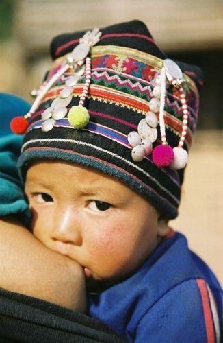 Southeast Asia detalhes do bordado da toquinha do bebe