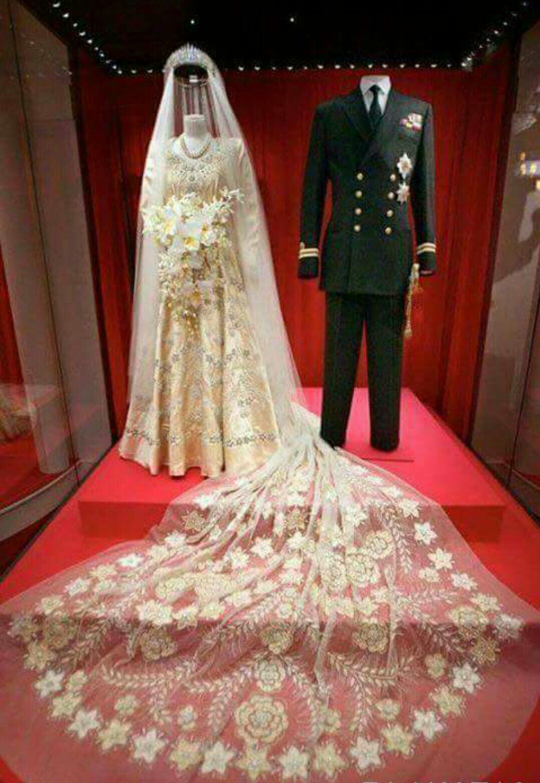 The Queen Elizabeth Ii Wedding Gown Is A Gift From The Syrian