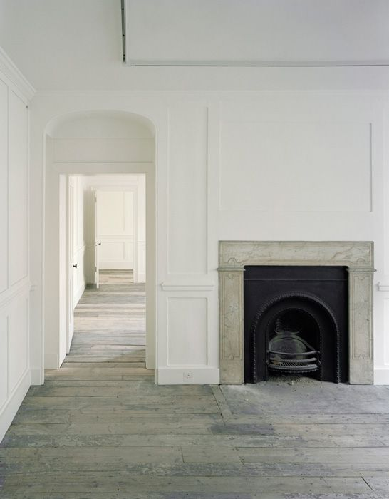 Gorgeous raw space - would love to decorate it!