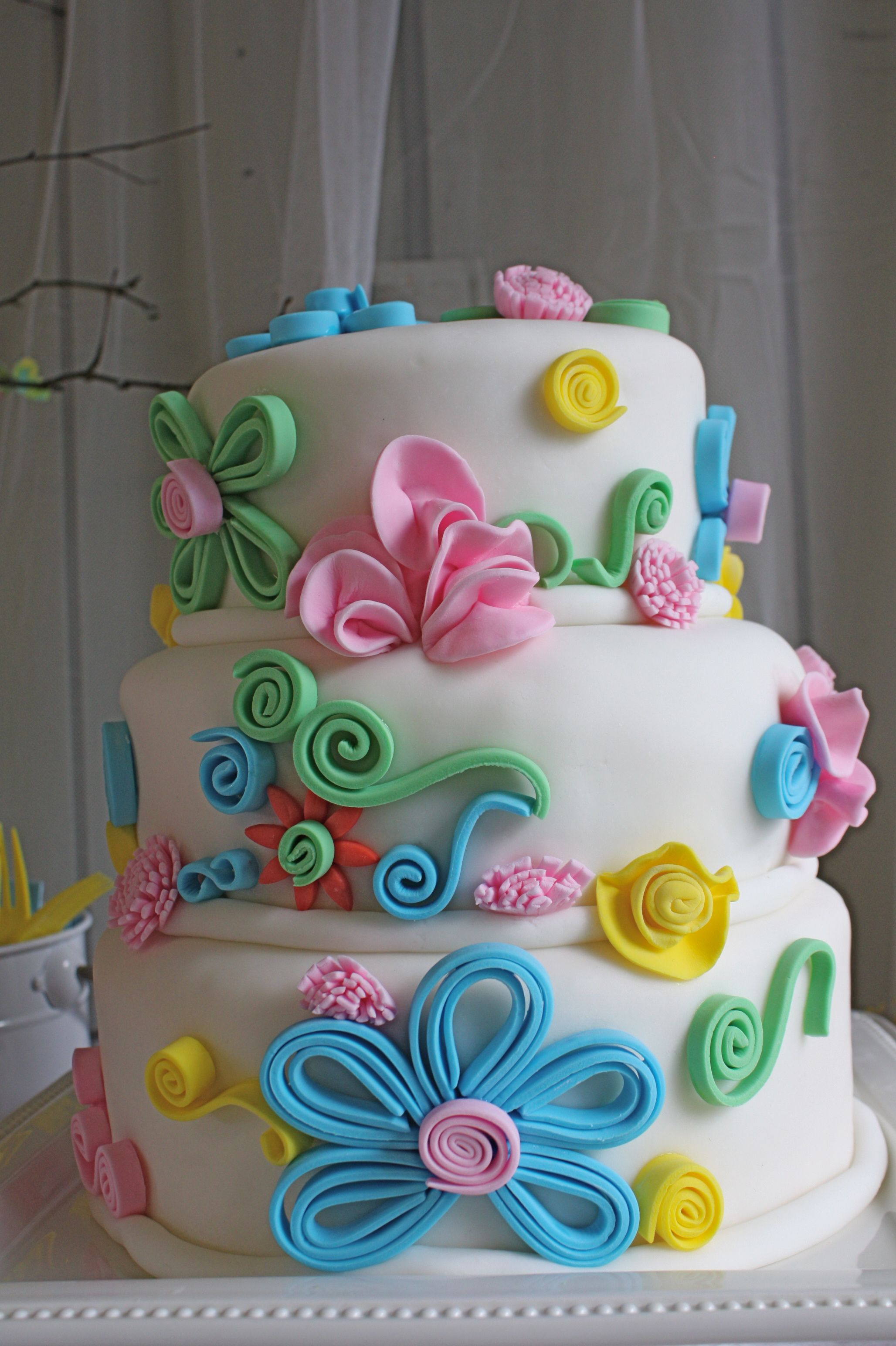 Fondant Flower Cake Cake Decorating Ideas Pinterest Cake